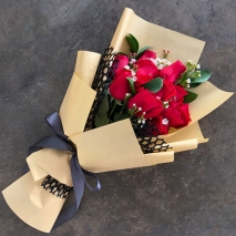 send 12 stems red color roses in bouquet to philippines