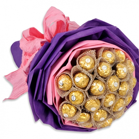 16 pcs. Ferrero Rocher Chocolate in Bouquet