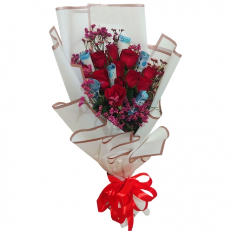 Dozen of Red Roses with Money in Bouquet