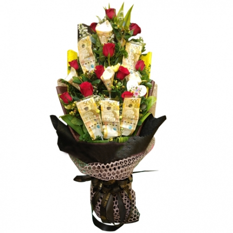 Money with 12 Red Color Roses in Bouquet