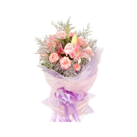 rose and lilies in bouquet